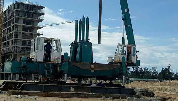 Robot ép cọc bê tông 200 tấn đến 460 tấn